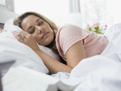 Alzheimer voorkomen door zij slapen