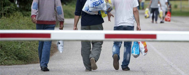 Vluchtelingen opvangen in Nederland omslagfoto