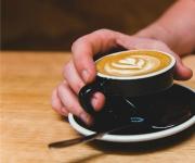 Speeddaten met ouderen tijdens de koffie
