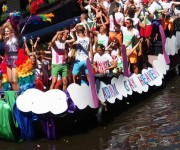 Vrijen in vrijheid tijdens de Amsterdam Gay Pride facebook