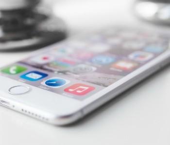 Geef opa en oma een smartphone!