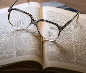 Voorlezen aan ouderen