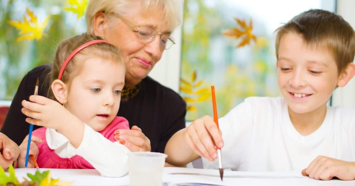 Kinderen helpen eenzame ouderen facebook