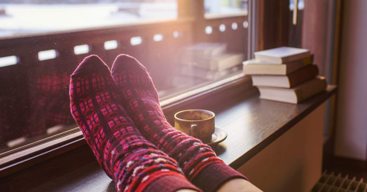 Op je sokken je huis afstoffen facebook