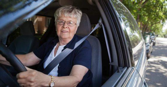 Ouderen een gevaar op de weg
