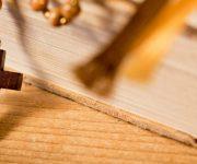 Gevangenisbewaarder of priester worden