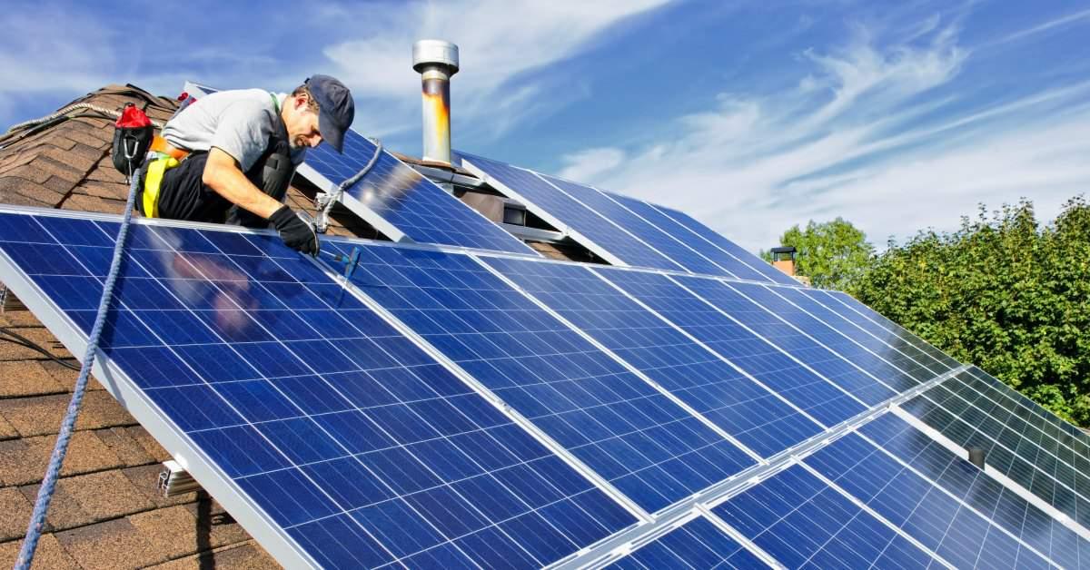 Help zorglocaties aan zonnepanelen facebook