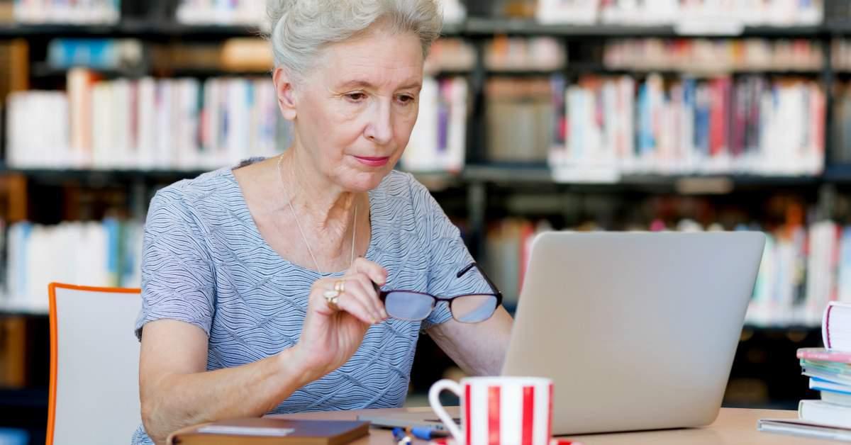 Ouderen digitaal vaardig maken facebook