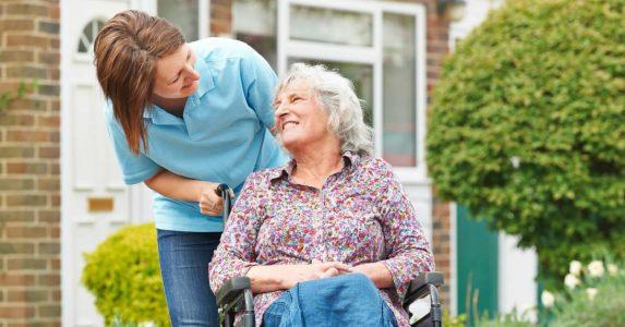 Thuiszorgmedewerkers regelen het zelf