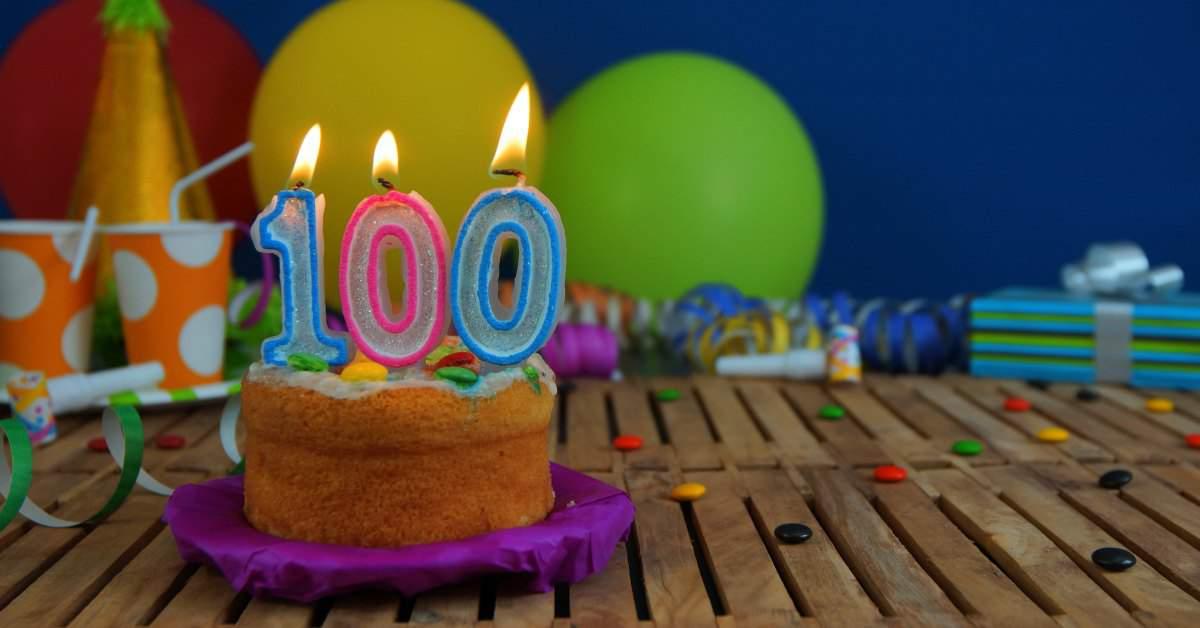 Honderdjarige aan het werk facebook