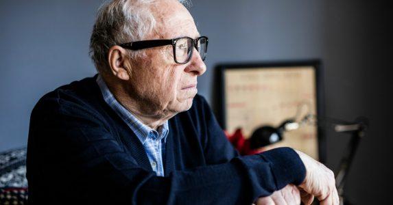 Eenzaamheid onder ouderen voorkomen