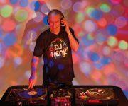 Henk Pragt als diskjockey