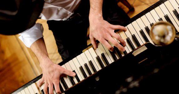 Legendarische jazzmuzikant Rob Agerbeek