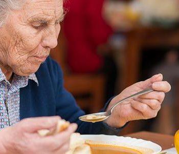 Eetproblemen bij ouderen, wat kun je er aan doen?