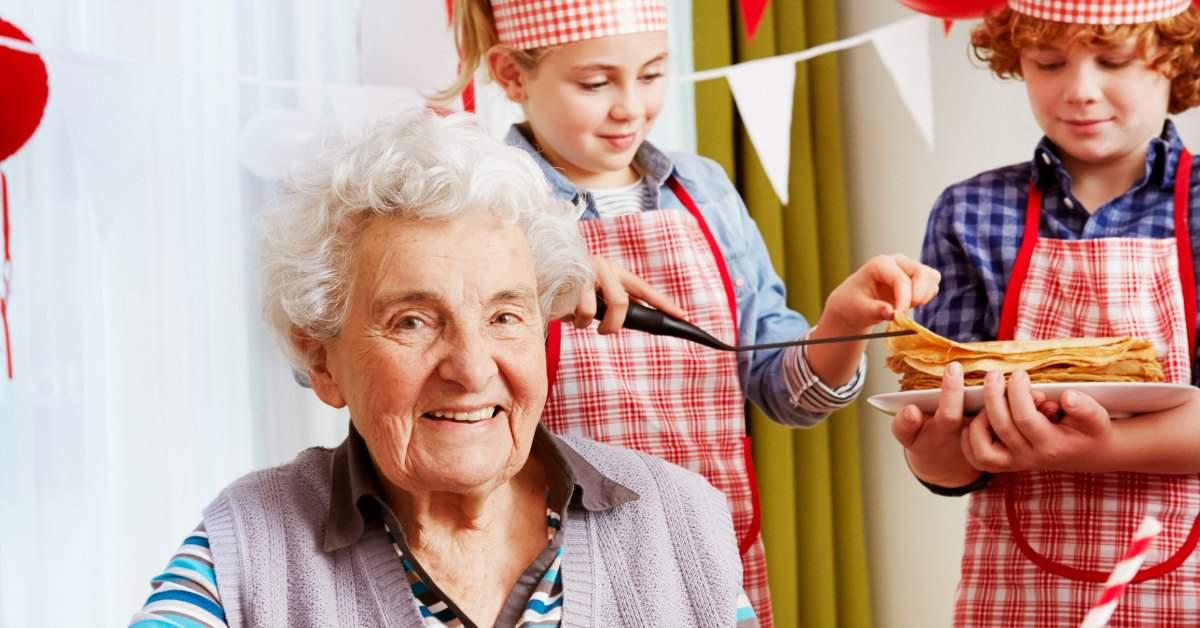 Kinderen bakken pannenkoeken voor ouderen facebook