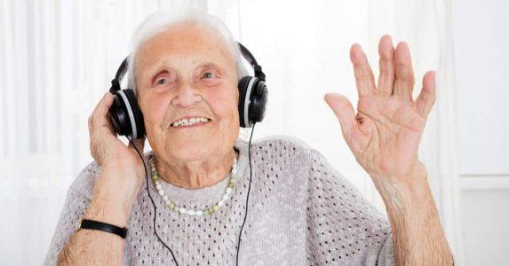 Kwetsbare ouderen laten lachen
