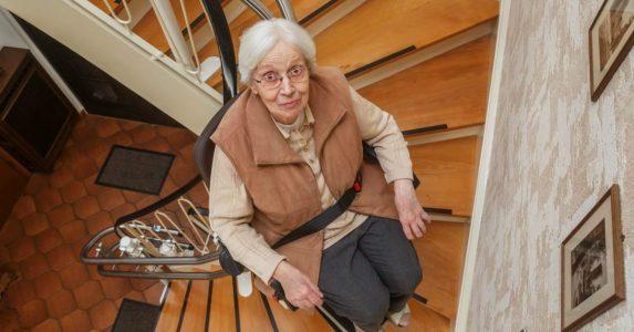 Een haperende traplift