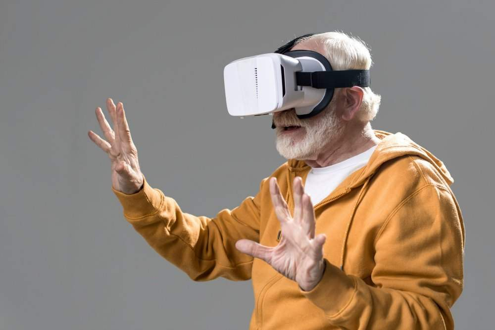 Virtual Reality bril in de ouderenzorg